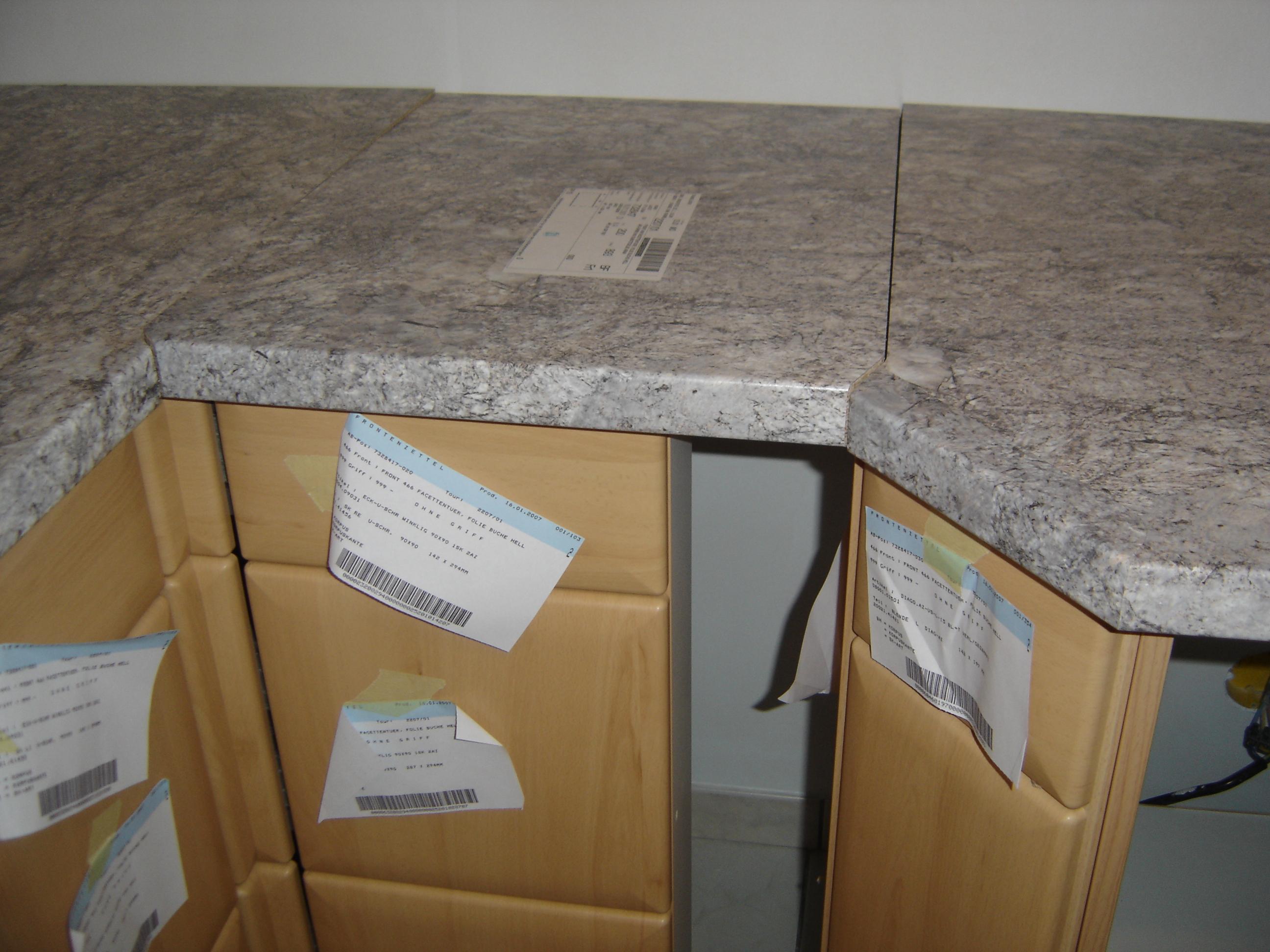 Assemblage plan de travail cuisine id es for Assemblage meuble
